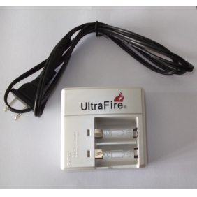 Wholesale UltraFire WF-138A LIR123A/16340 / cr123a Li-ion Battery Charger